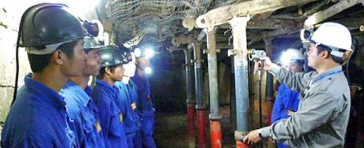 May đồng phục bảo hộ lao động cao cấp tại quận Gò Vấp
