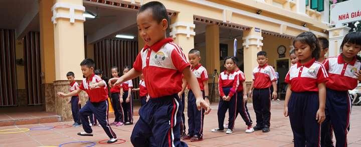 May đồng phục thể thao cho học sinh các cấp