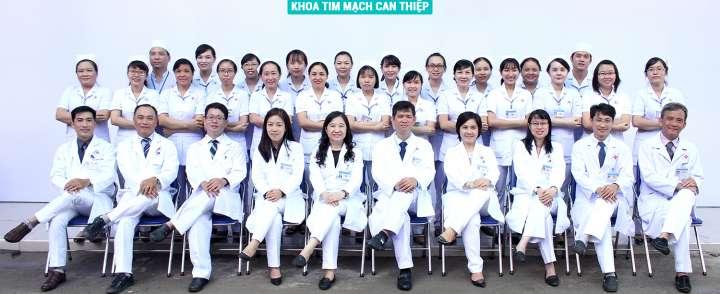 Xưởng may đồng phục bác sĩ chất lượng TPHCM