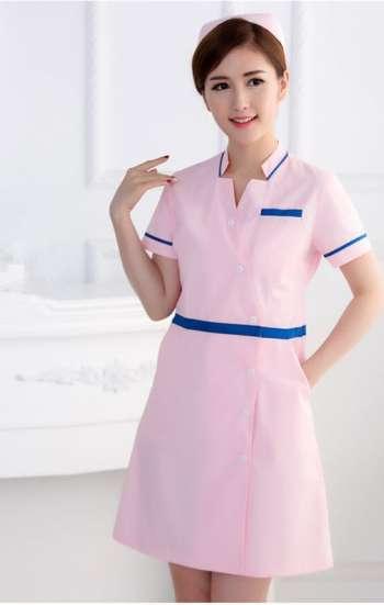 Mẫu áo blouse màu hồng phấn tay ngắn viền xanh dương