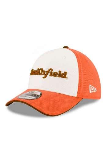 Nón kết đồng phục lưỡi trai màu cam, trắng thêu chữ, logo