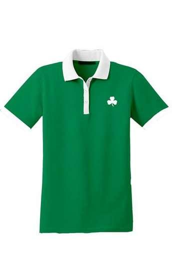 Áo thun đồng phục cổ trụ màu xanh lá viền trắng logo thêu