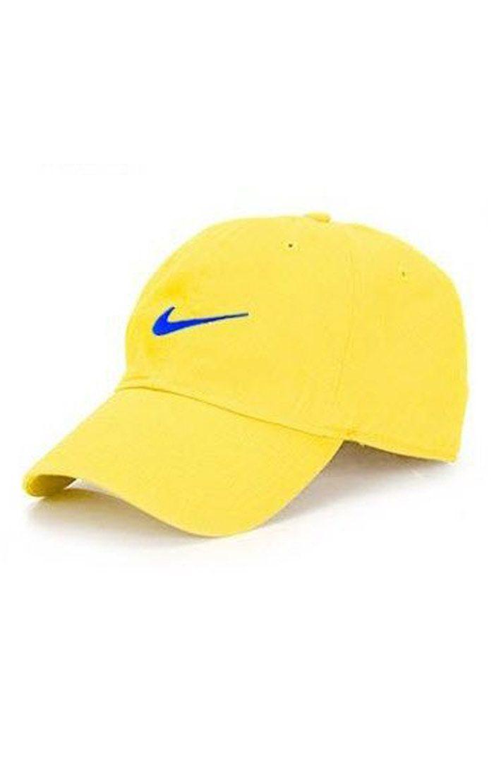 Nón kết đồng phục lưỡi trai màu vàng logo thêu màu xanh