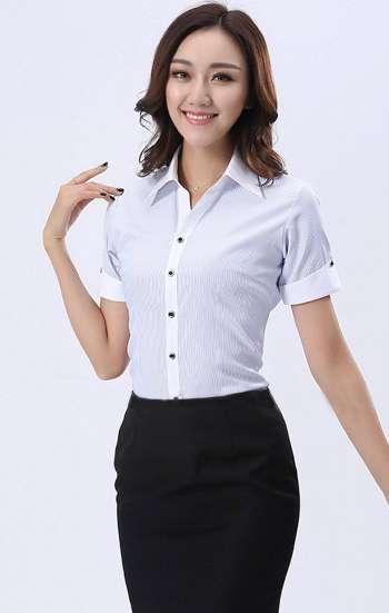 Đồng phục công sở áo sơ mi nữ tay ngắn màu xanh nhạt viền trắng