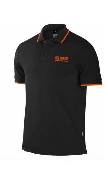 Áo thun đồng phục cổ trụ màu đen logo in
